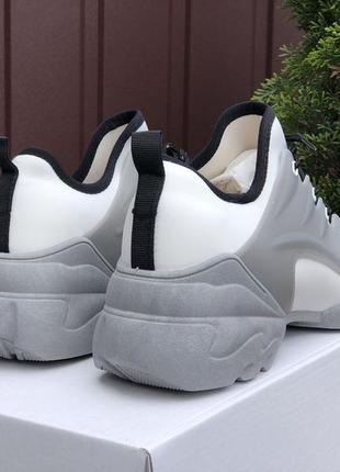 Сьильні жіночі кросівки4 фото