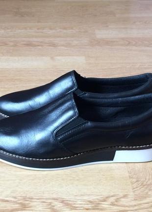 Кожаные туфли kiomi 38 размера в состоянии новых