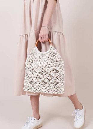 Сумка плетена з дерев'яними ручками, молочна / сумка плетённая с деревянными ручками