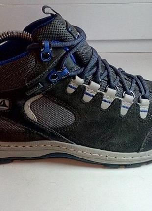 Clarks goretex брендовые демисезонные кожаные ботинки оригинал 38 размер