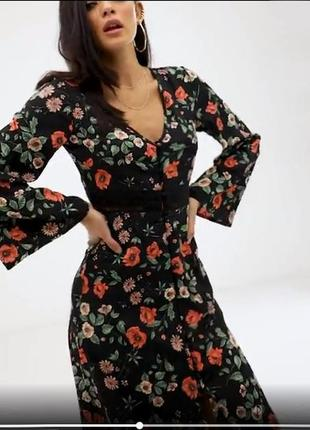 Распродажа платье миди prettylittlething на пуговицах и с расклешенными рукавами с asos