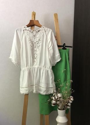 Ніжна блуза з ажуром