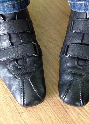Фирменные мужские туфли на липучках от бренда prada /43/