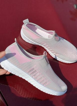 Летние серо-розовые текстильные кроссовки5 фото