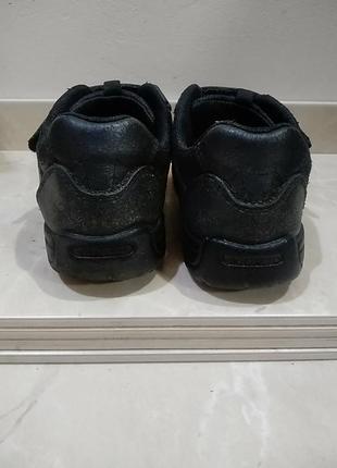 Шкіряні кросівки3 фото