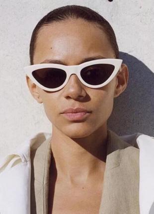 Тренд белые солнцезащитные очки лисички ретро кошечки сонцезахисні окуляри білі