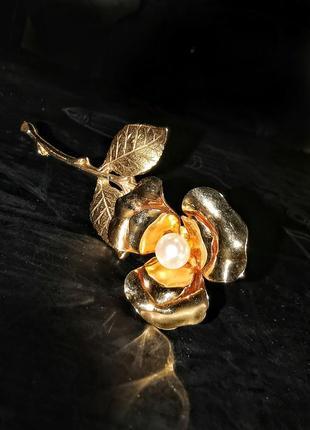 Большая винтажная американская брошь роза с жемчужиной цветок листья
