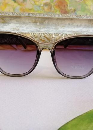 Эксклюзивные брендовые серые прозрачные солнцезащитные женские очки лисички 20213 фото