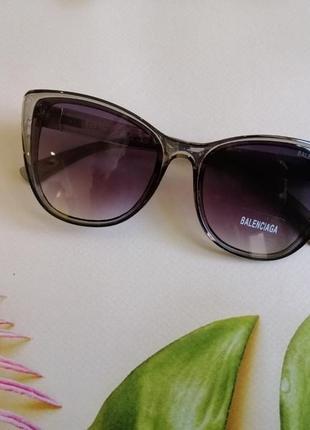 Эксклюзивные брендовые серые прозрачные солнцезащитные женские очки лисички 20215 фото