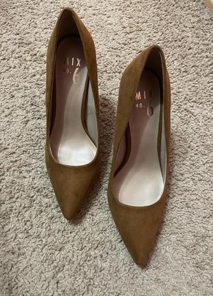 Туфли на каблуку