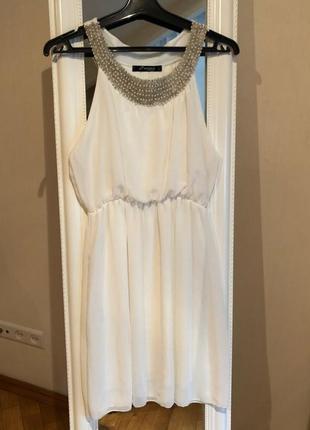 Изумительное шифоновое платье в греческом стиле
