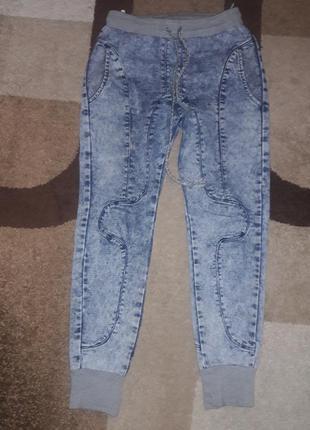Крутые джинсы на резиночке с манжетами