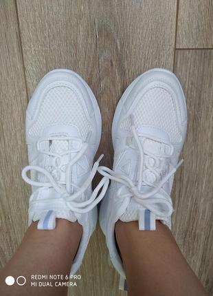Кросівки білі літні