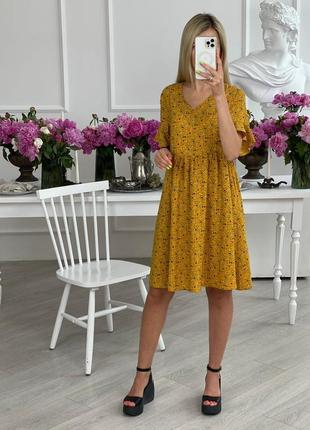 Платье женское короткое до колена с цветами без рукава на лето свободное