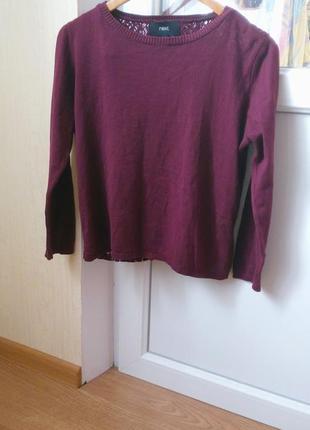 Бордовый свитер с разрезом на спине р. s-m