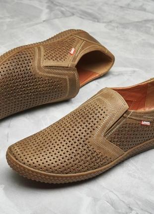 Классные мужские летние туфли левис1 фото