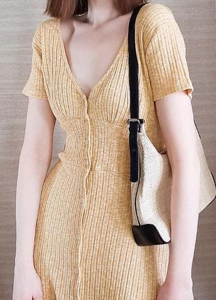 Трендовое платье pull&bear