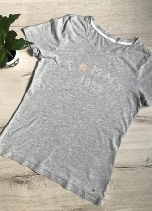 Женская серая футболка tommy hilfiger