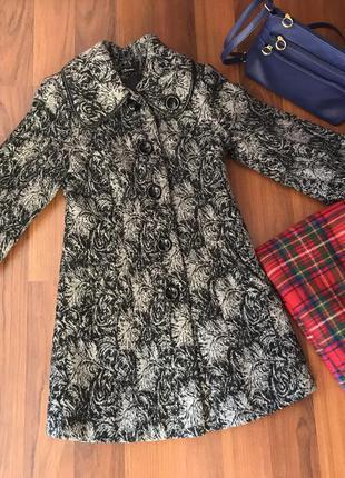 Очень теплое пальто ,пальто с принтом объемными рукавами фонариками
