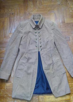Пальто фірмове