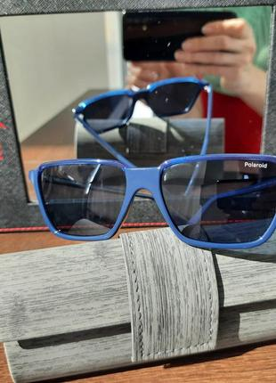 Фирменные солнцезащитные женские очки.