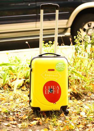 Качество! средний чемодан пластиковый валіза середня доставка безкоштовна! киев