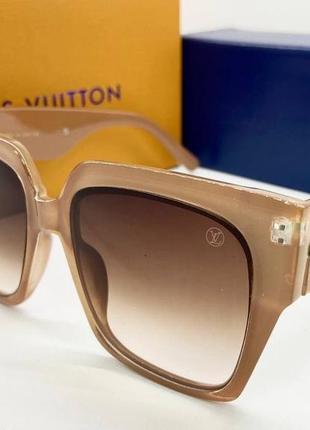 Louis vuitton очки женские солнцезащитные бежевые большие квадраты