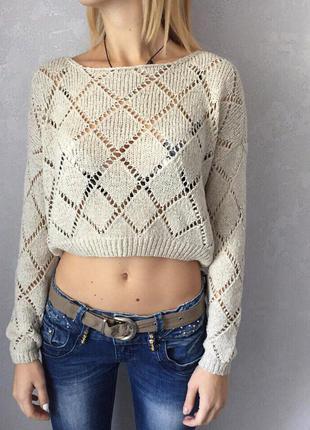 Укорочённый вязанный свитер