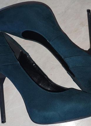 Замшевые туфли изумрудного цвета.туфли классика.