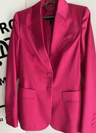 Шикарний піджак актуального кольору !!!! escada розмір 36 ціна 1499 грн