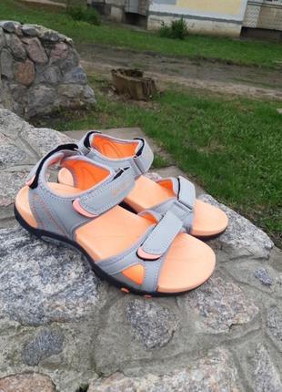 Женские спортивные босоножки,сандалии