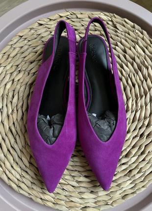 Яркие туфли женские mango