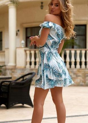 Легкое платье мини с тропическими принтами
