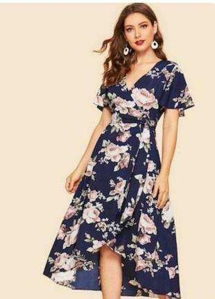 Платье цветочный принт.
