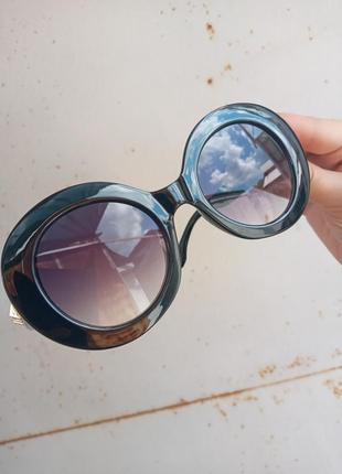 Стильные круплые круглые чёрные очки с шипами в пластмассовый оправе9 фото