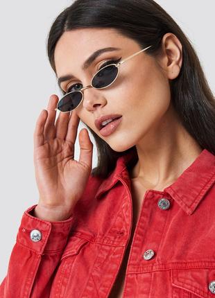 Черные маленькие овальные солнцезащитные очки в стиле ретро prettylittlething