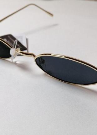 Черные маленькие овальные солнцезащитные очки в стиле ретро prettylittlething2 фото
