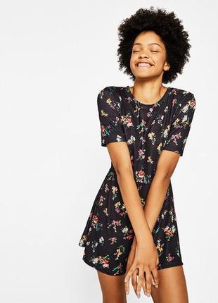 Стильный качественный комбинезон шорты юбка с цветочным принтом bershka