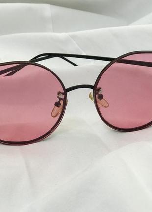 Солнцезащитные очки с розовыми линзами2 фото