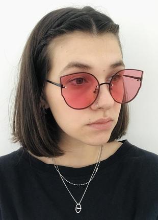Солнцезащитные очки с розовыми линзами3 фото