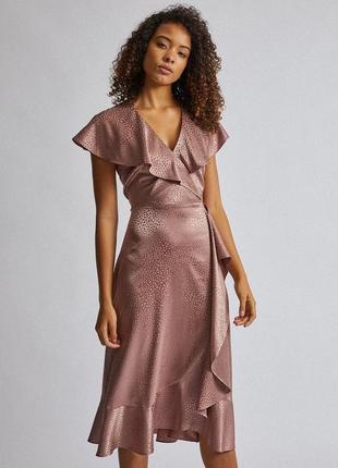 Розовое жаккардовое платье миди с оборками от billie&blossom