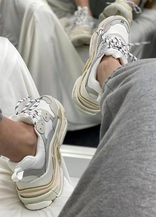Женские кроссовки triple