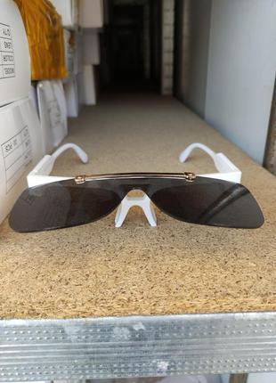 Солнцезащитные очки  louis vuitton1 фото