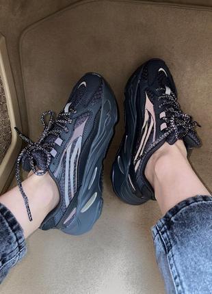 Женские кроссовки adidas yeezy boost 700 black reflective / черные рефлектив