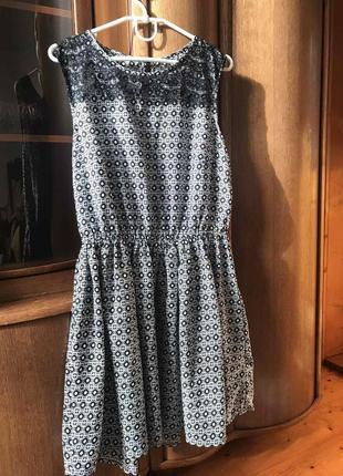 Очень хорошое летное платья с кружевом2 фото