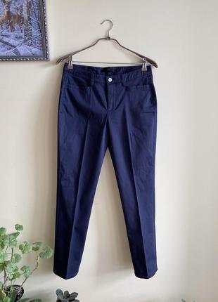 Шикарні штани, брюки. тёмно-синие брюки от мac.