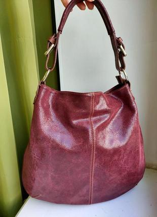 Красивенная итальянская кожаная сумка-хобо