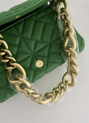 Трендовая зеленая сумка zara