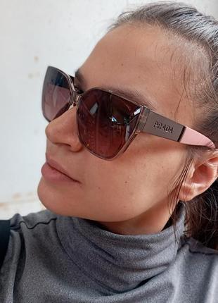 Стильные женские очки в прозрачной оправе с широкой дужкой6 фото