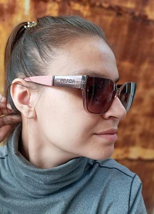 Стильные женские очки в прозрачной оправе с широкой дужкой3 фото
